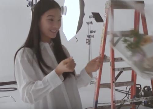 汐谷友希の白シャツが可愛すぎる!
